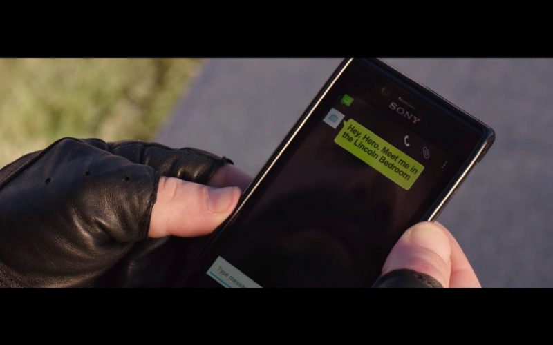Sony Smartphone – Pixels (2015) Movie Product Placement