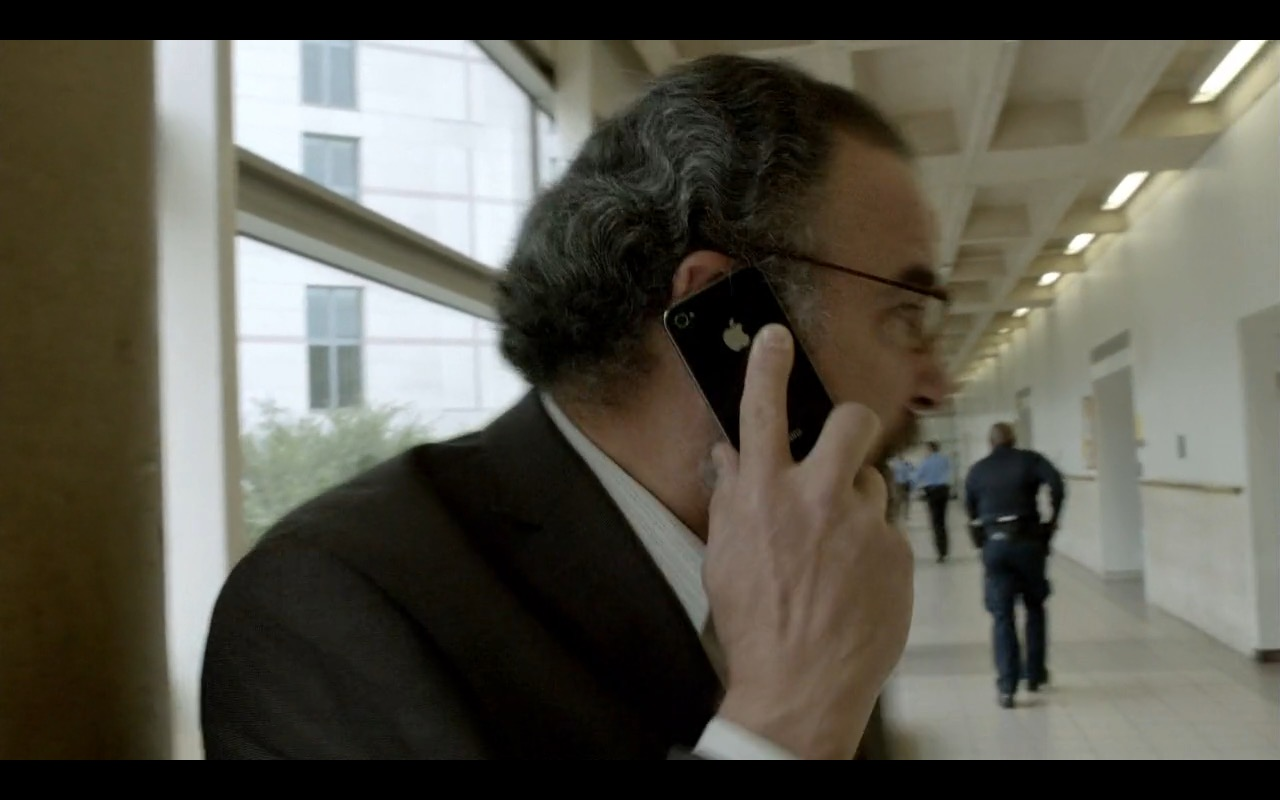 Apple iPhone 4 - Homeland TV Show Product Placement