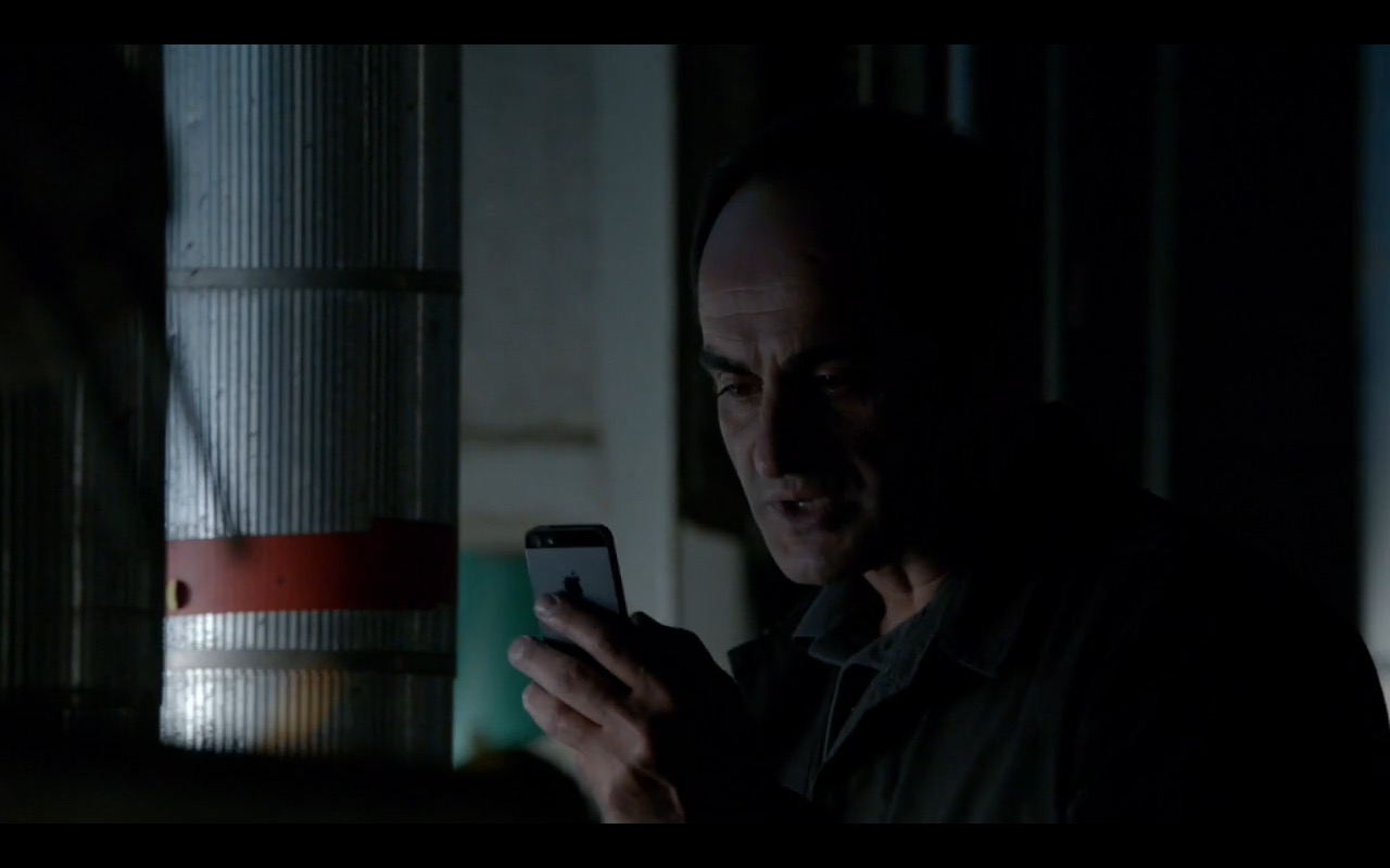 Apple iPhone 5 - Homeland TV Show Product Placement