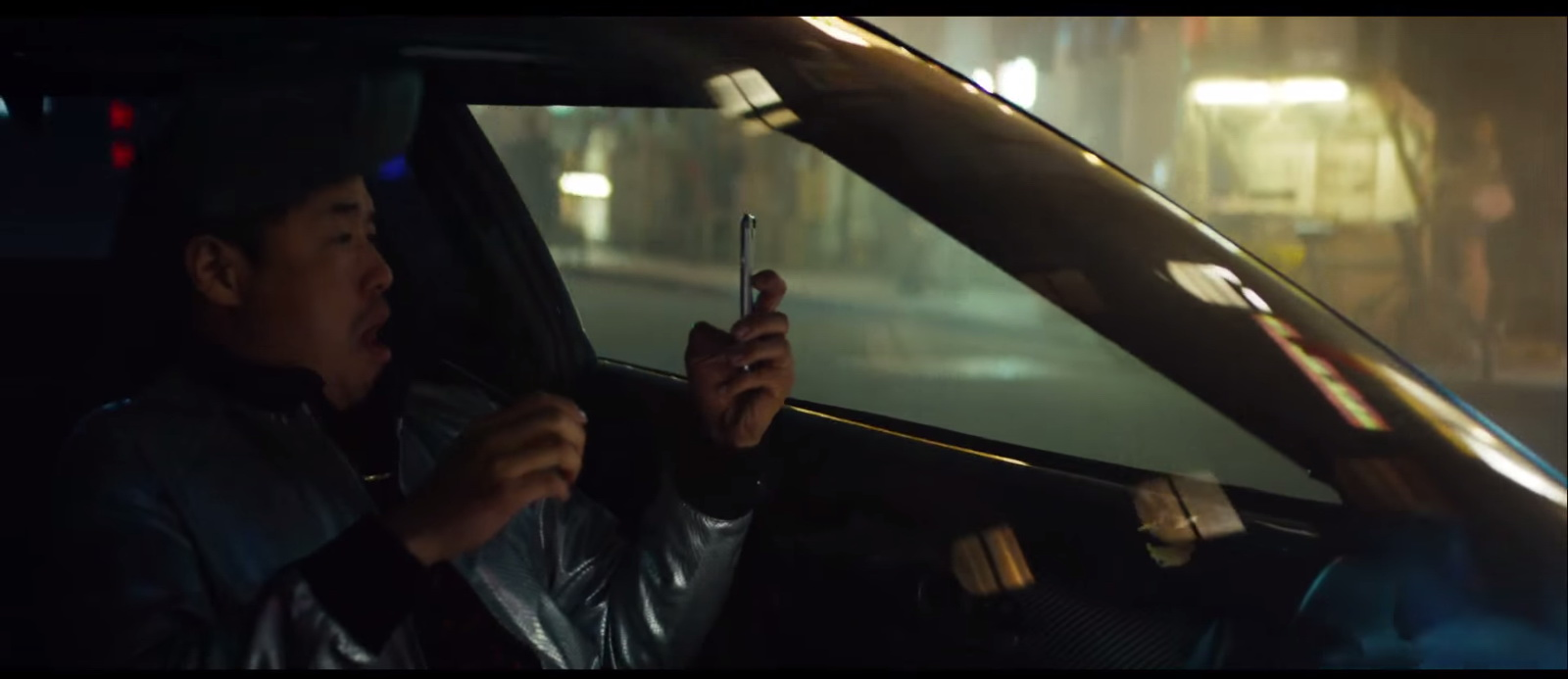 Apple iPhone 6-6S Product Placement in Eminem – Phenomenal Music Video (3)