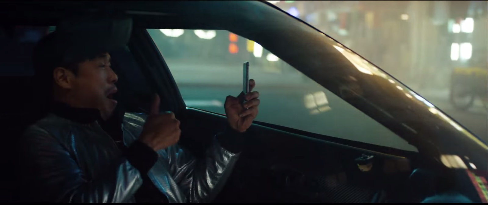 Apple iPhone 6-6S Product Placement in Eminem – Phenomenal Music Video (4)