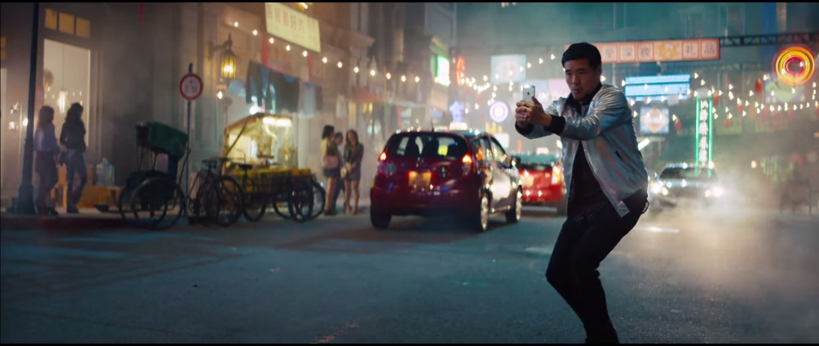 Apple iPhone 6-6S Product Placement in Eminem – Phenomenal Music Video (6)