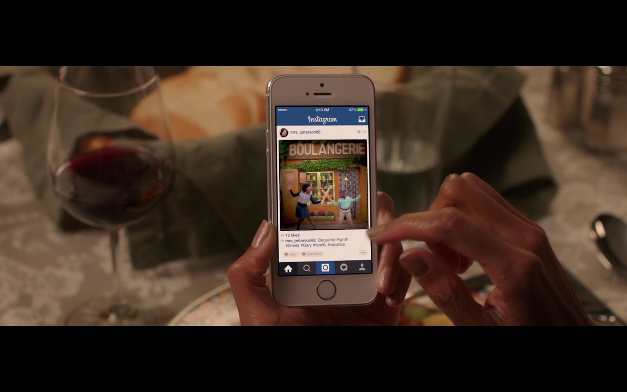 Apple iPhone 6 and Instagram – Vacation (2015) - Movie Product Placement