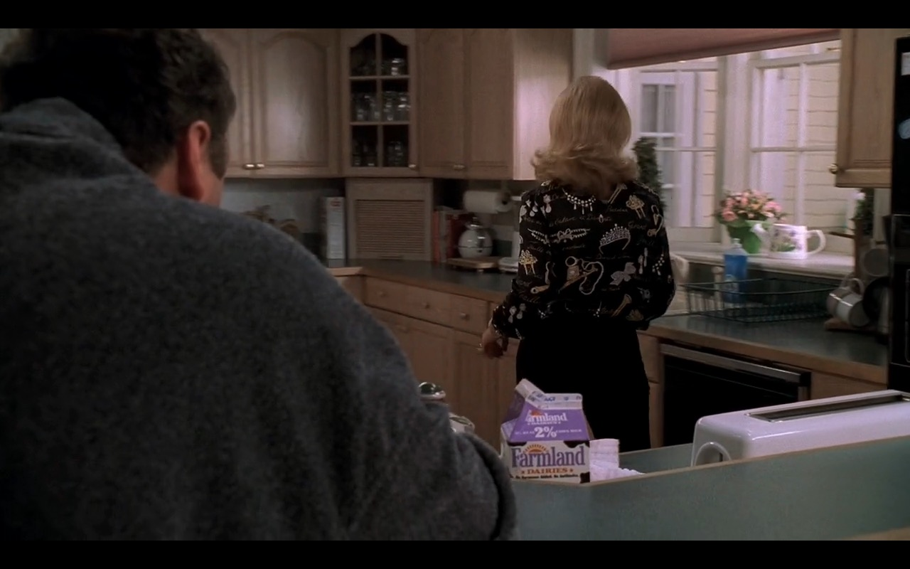 Farmland Dairies Milk – The Sopranos - TV Show Product Placement