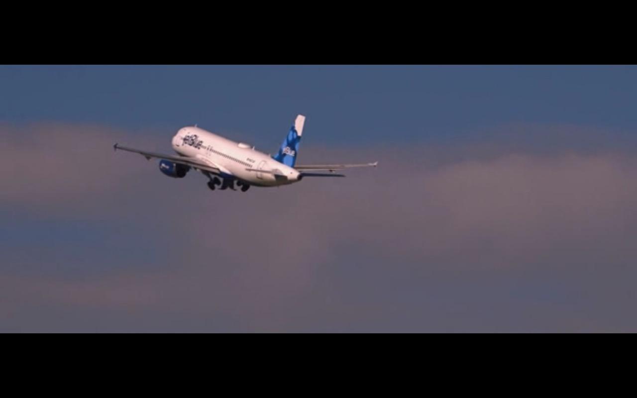 JetBlue – Ricki and the Flash (2015)