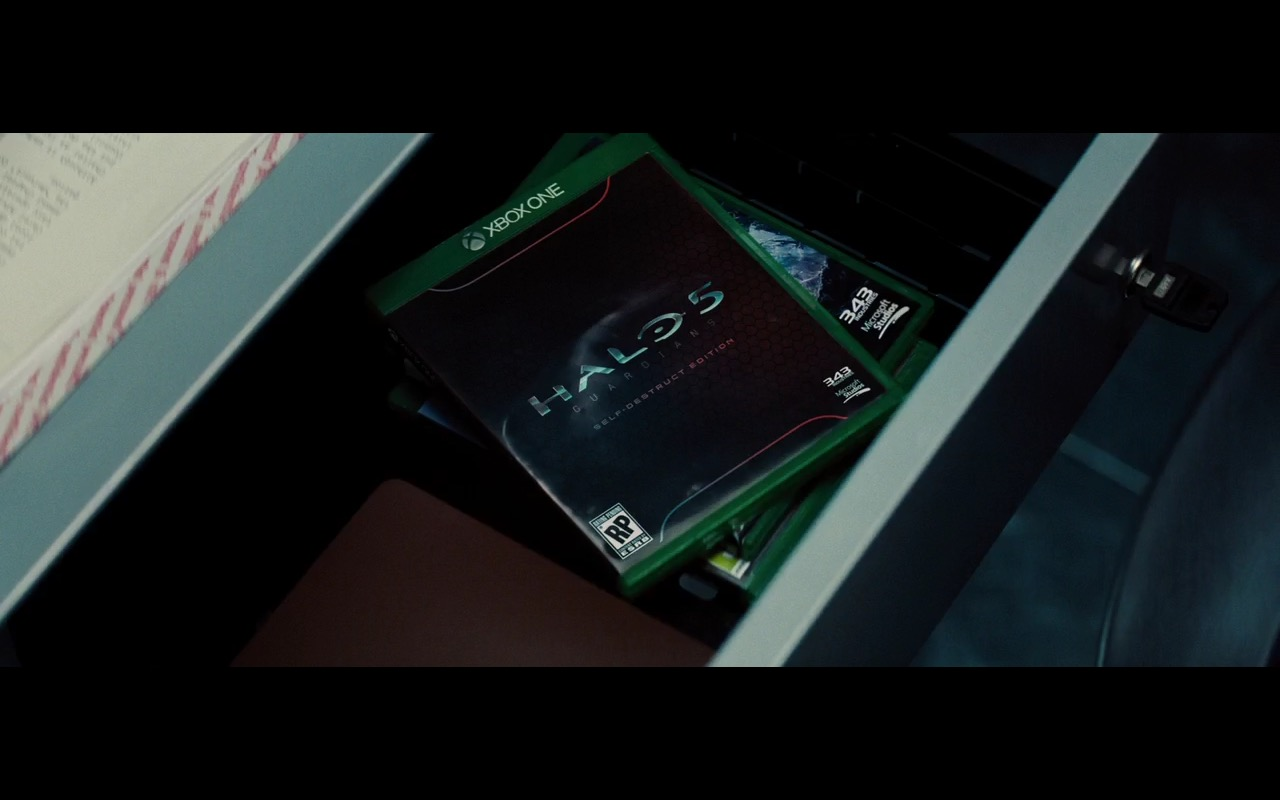Xbox One and Halo 5 – Mission: Impossible – Rogue Nation (2015) - Movie Product Placement