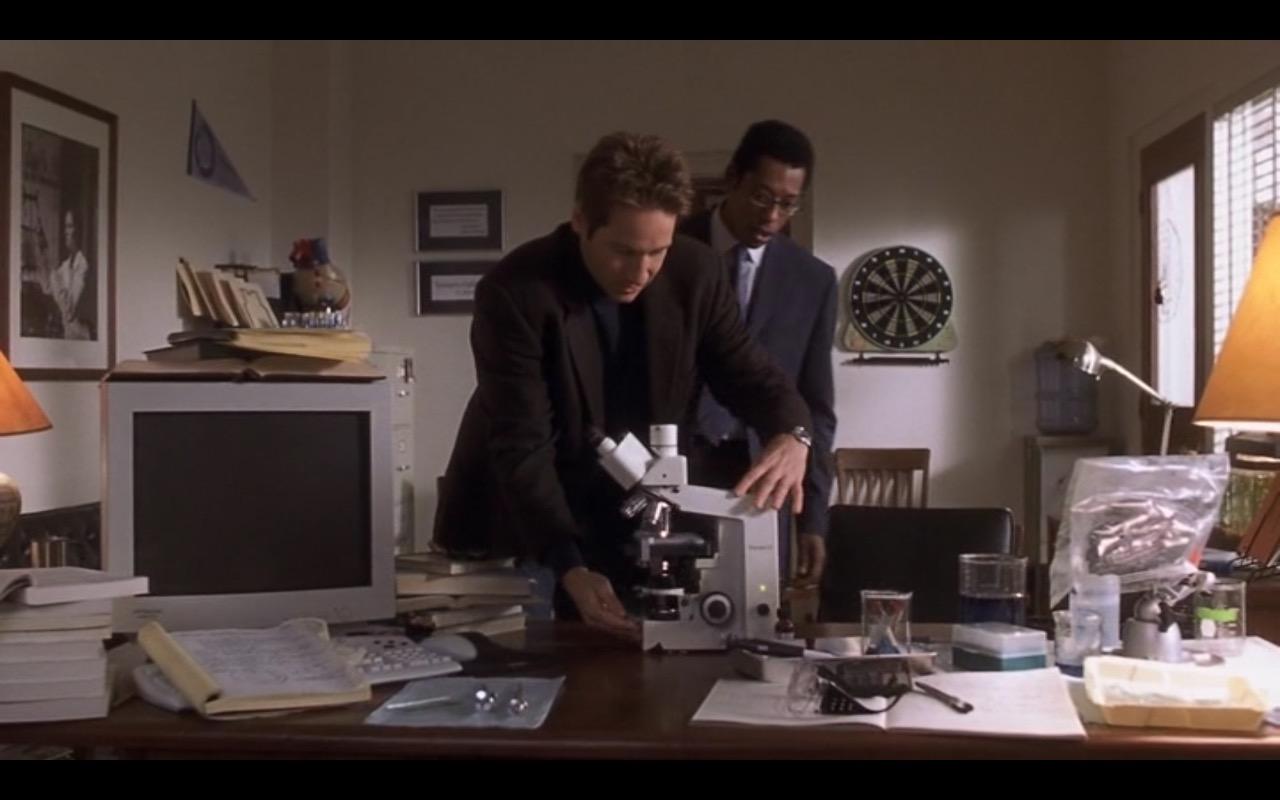 Zeiss-Microscope-%E2%80%93-Evolution-2001-Movie-2.jpg