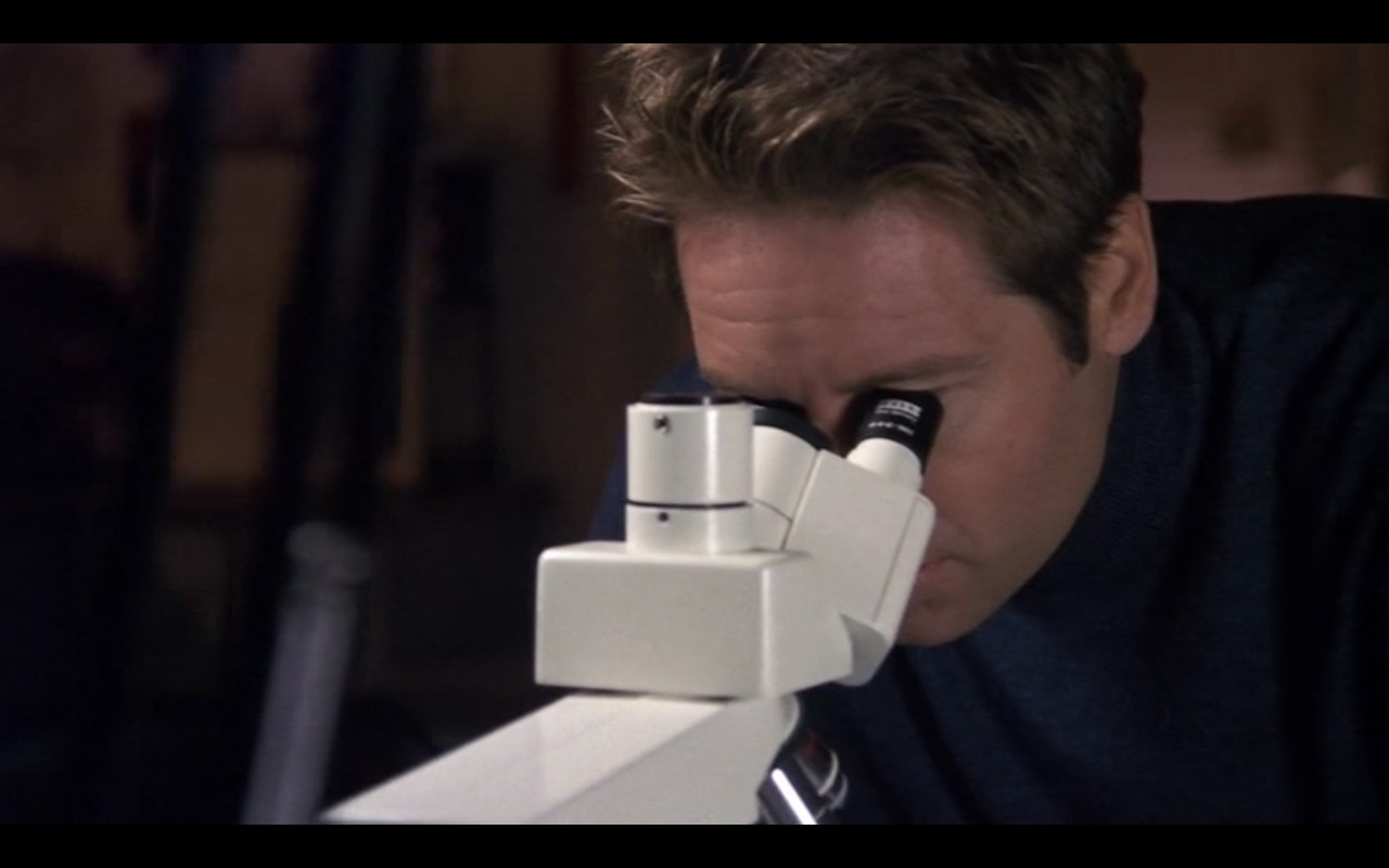 Zeiss Microscope – Evolution (2001) Movie Product Placement