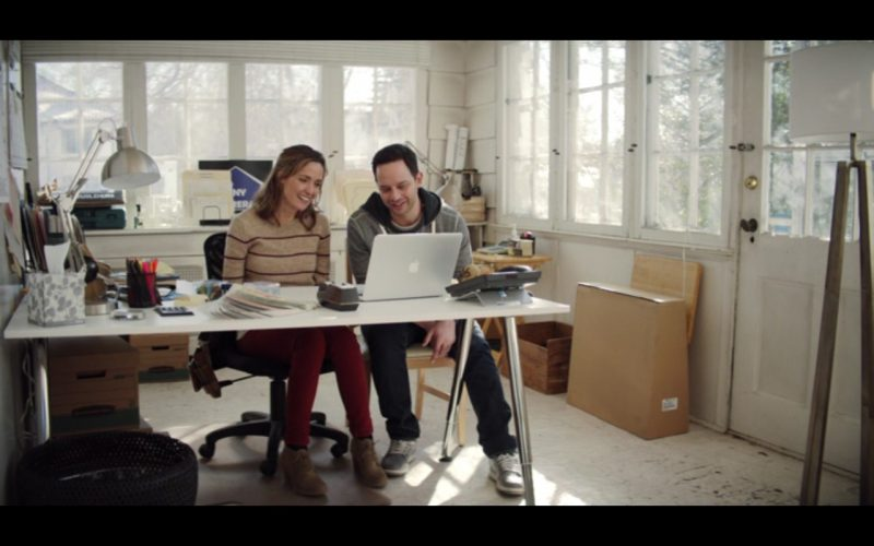 Apple MacBook Pro 15 – Adult Beginners 2015 Product Placement (1)