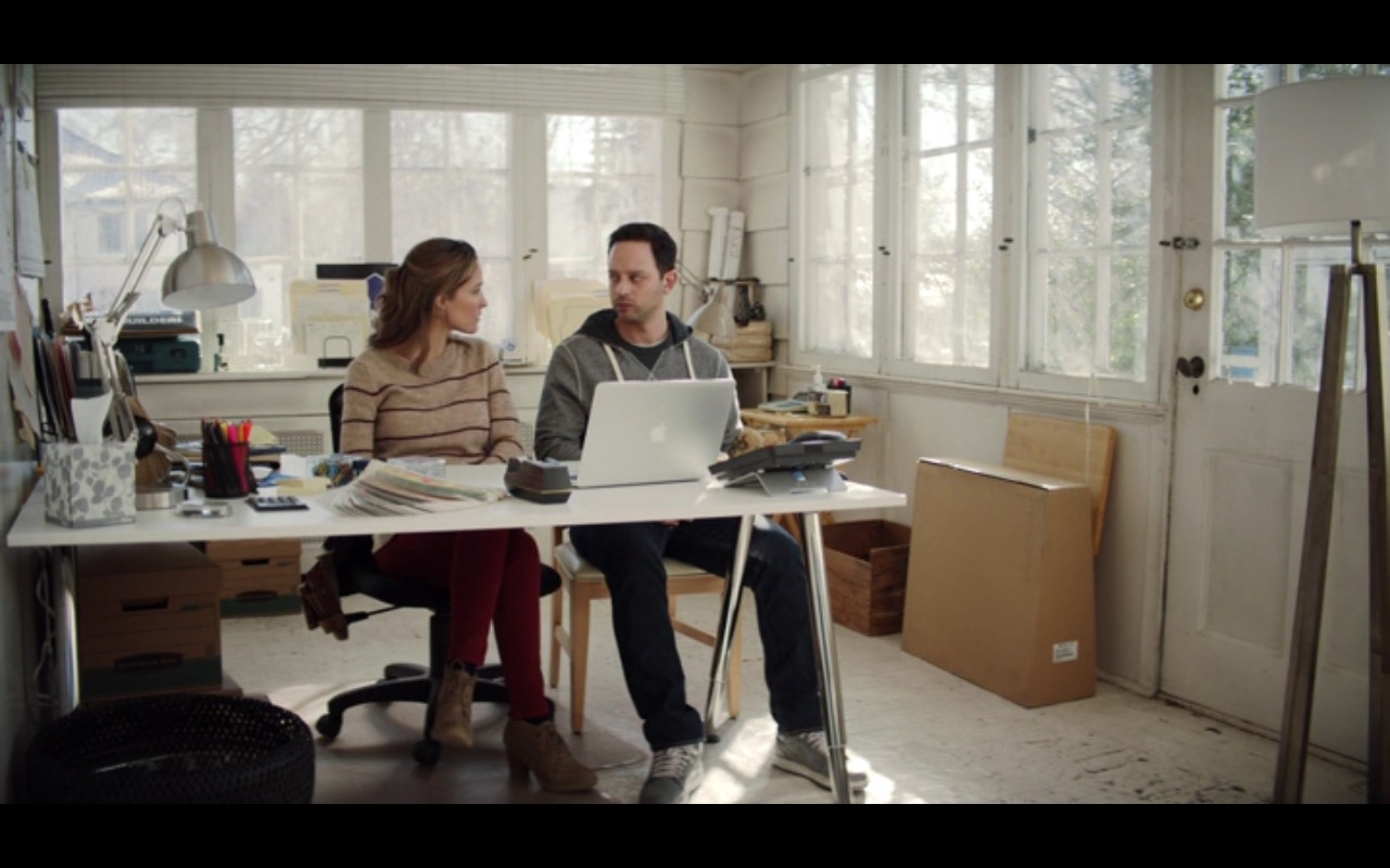 Apple MacBook Pro 15 – Adult Beginners (2015) Movie Product Placement