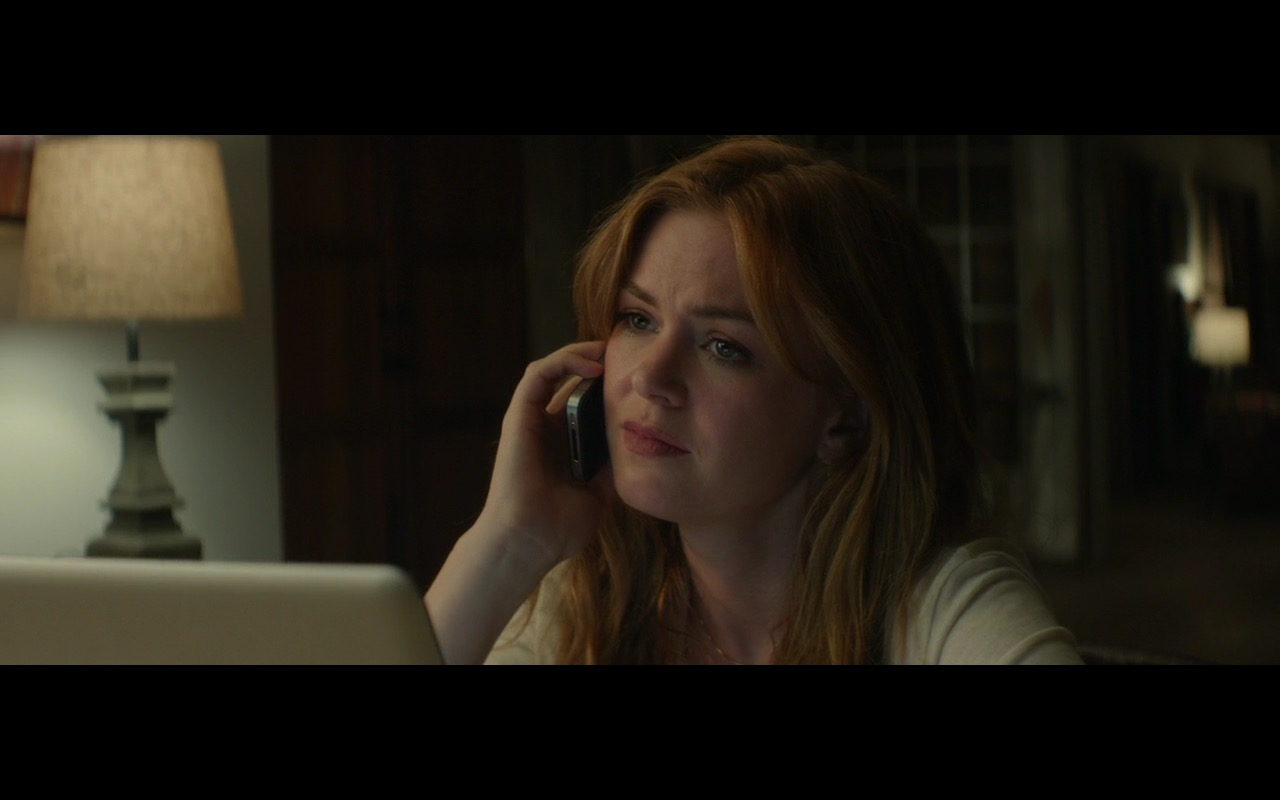 Apple iPhone 4/4S - Visions (2015) Movie Product Placement