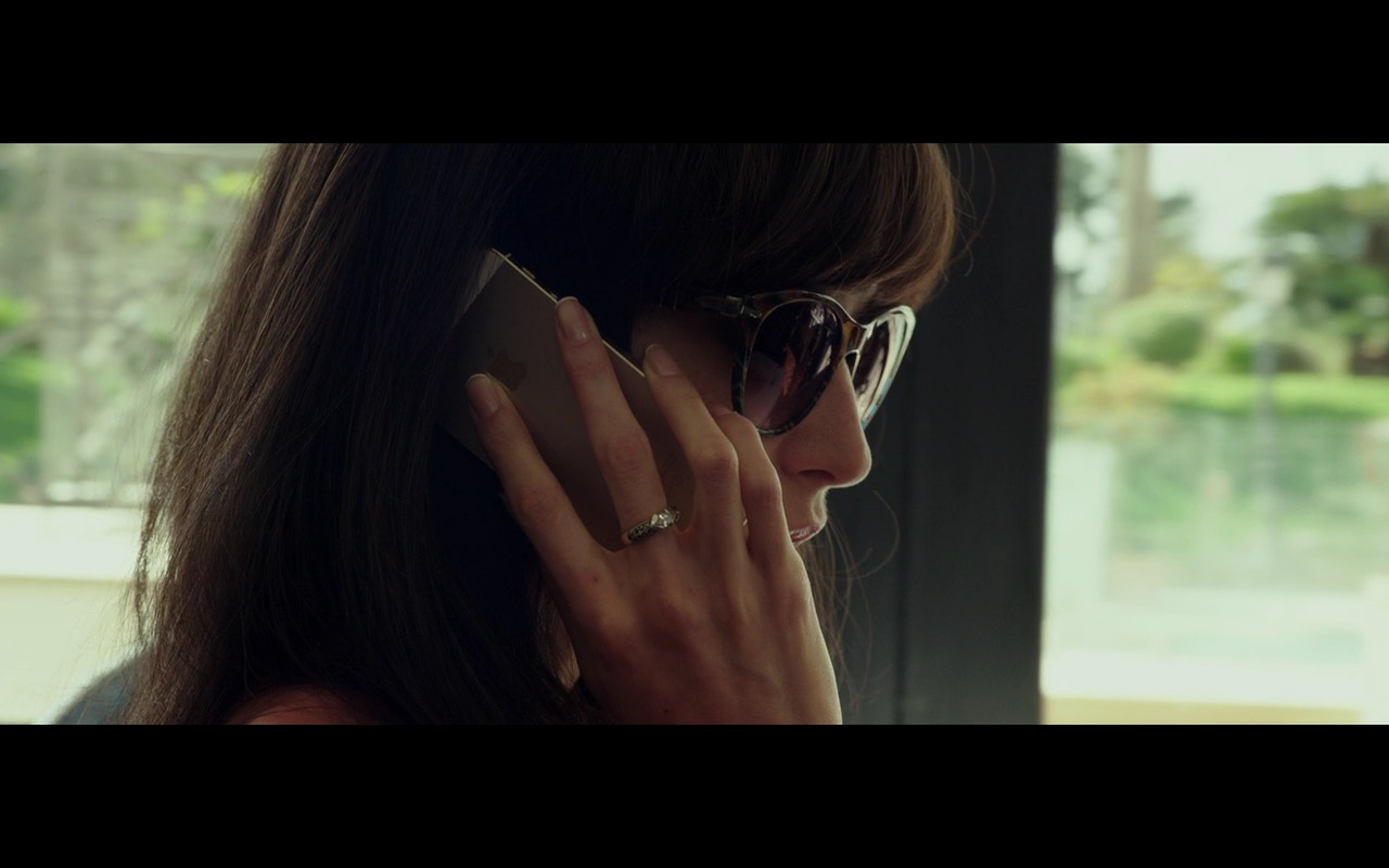 Gold iPhone 5/5s – The Transporter Refueled (2015) Movie Product Placement