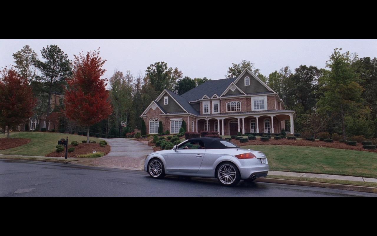 Audi TT Cabrio – The Joneses (2009) Movie Product Placement