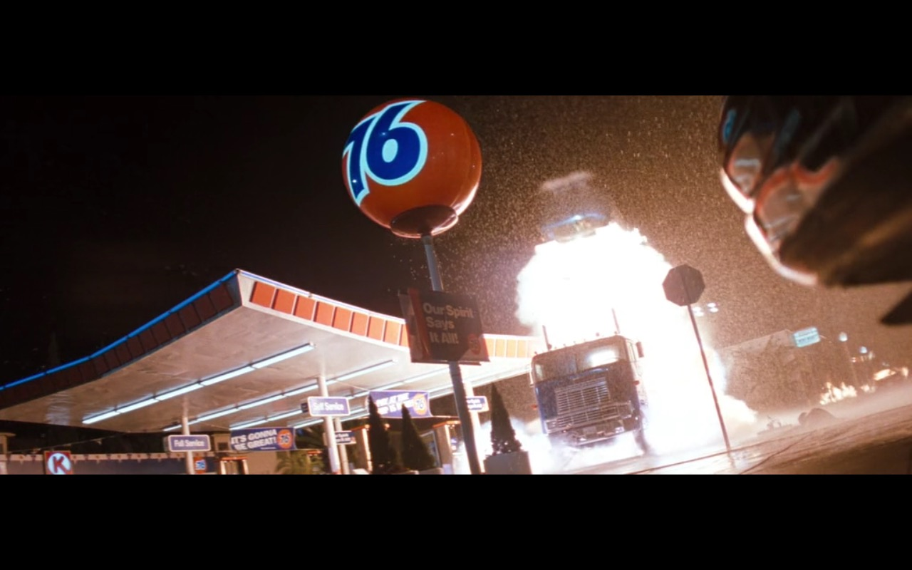 76 (gas station) – Lethal Weapon 4 (1998) Movie Product Placement