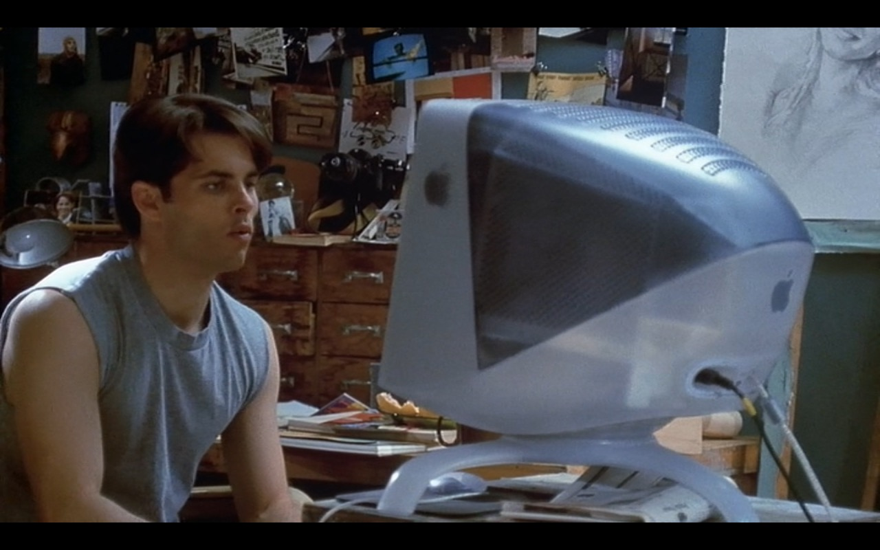 Apple iMac G3 – Interstate 60: Episodes of the Road (2002) Movie Product Placement