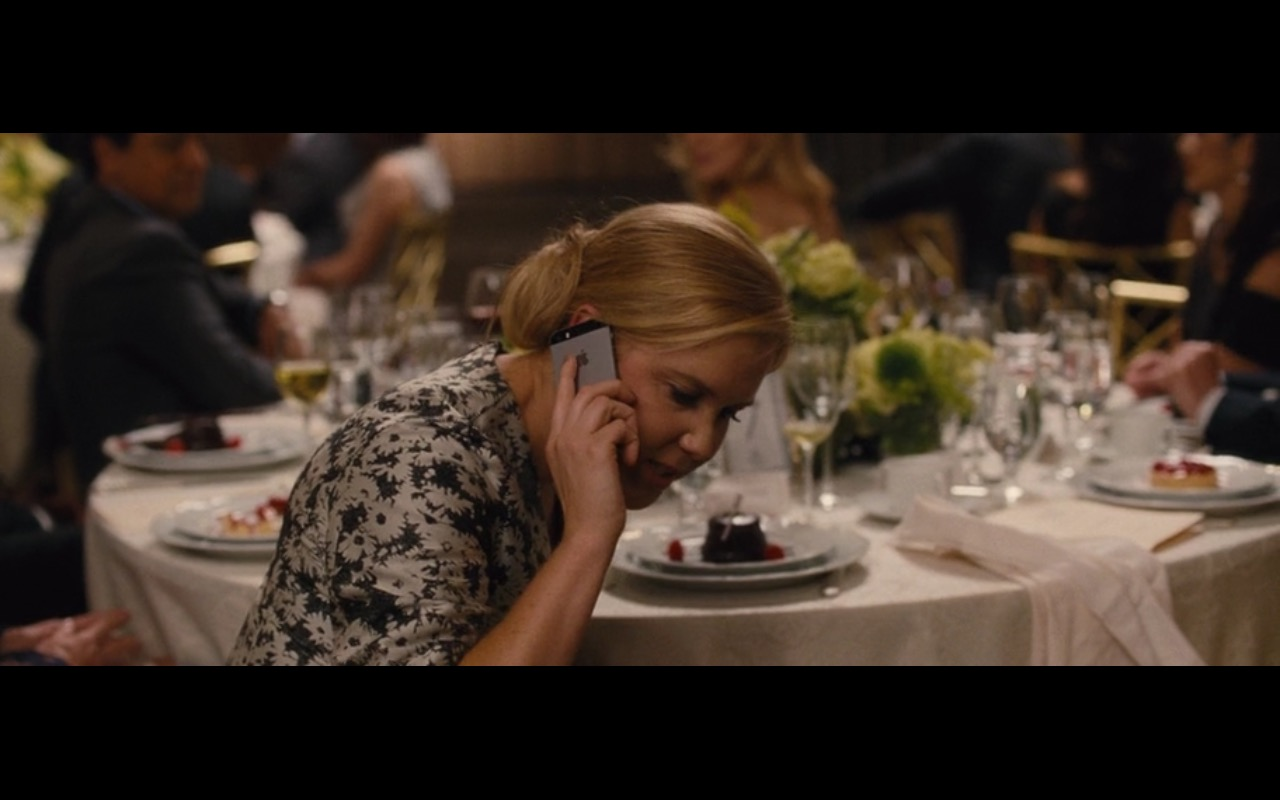 Apple iPhone 5/5S – Trainwreck (2015) Movie