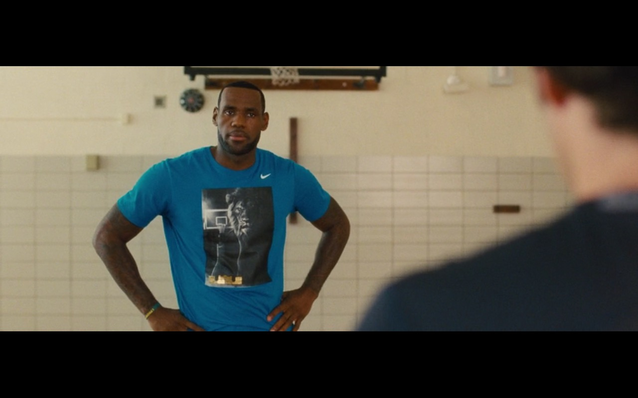 Blue Nike T-Shirt - Trainwreck (2015) Movie Product Placement