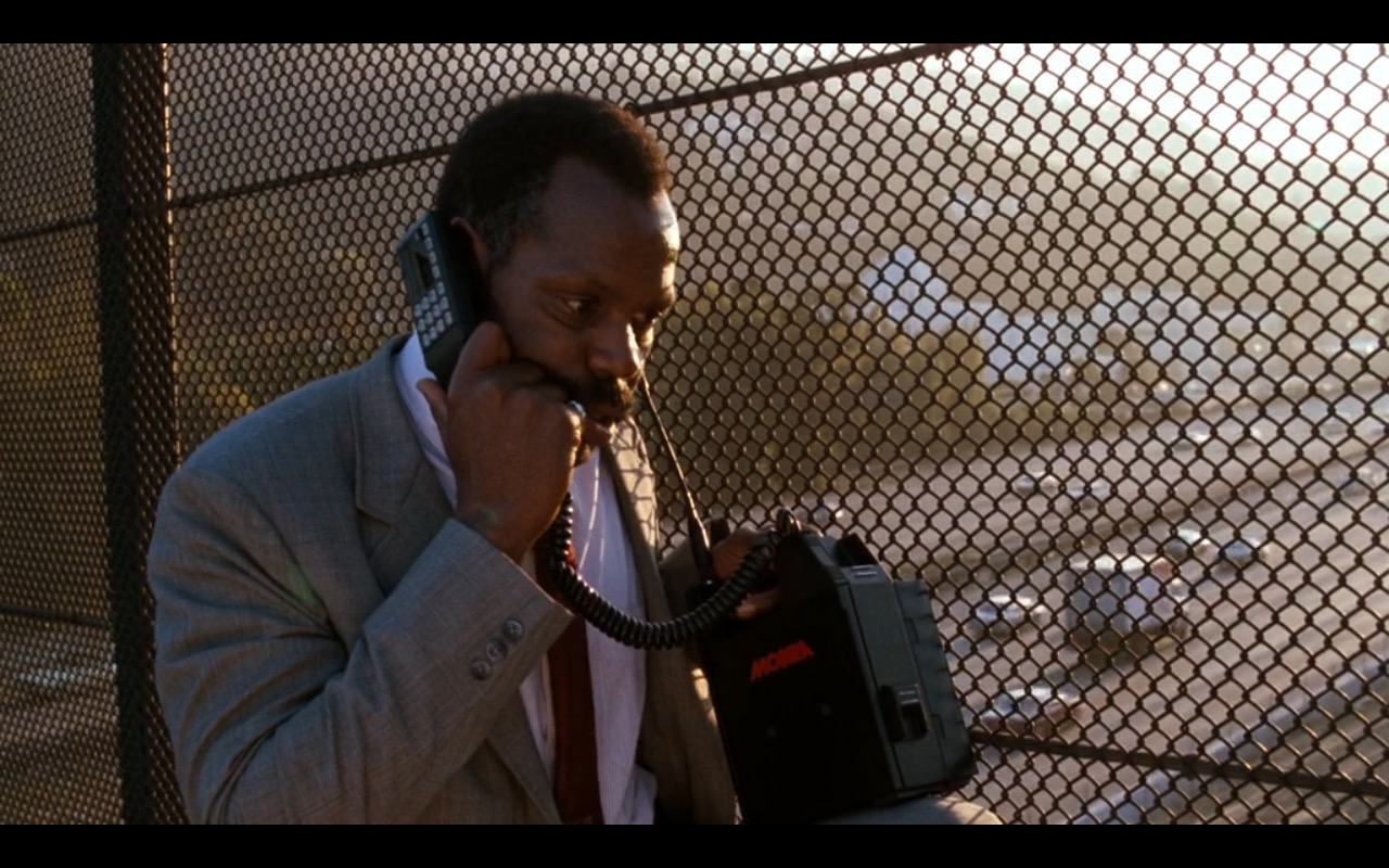 Nokia Mobira Talkman – Lethal Weapon (1987) Movie Product Placement