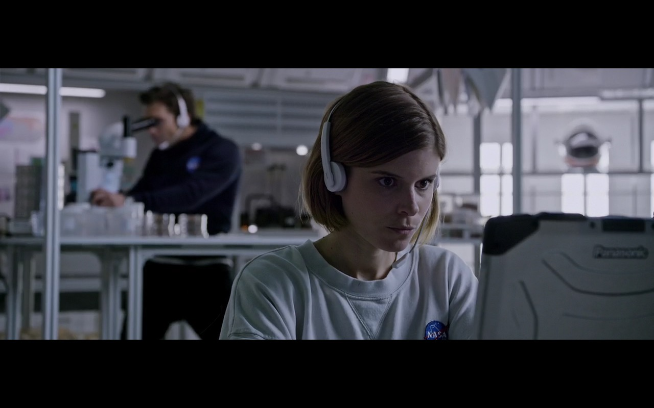 Panasonic Laptop – The Martian (2015) Movie Product Placement