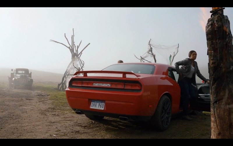 Red Dodge Challenger – Ash Vs. Evil Dead (2)