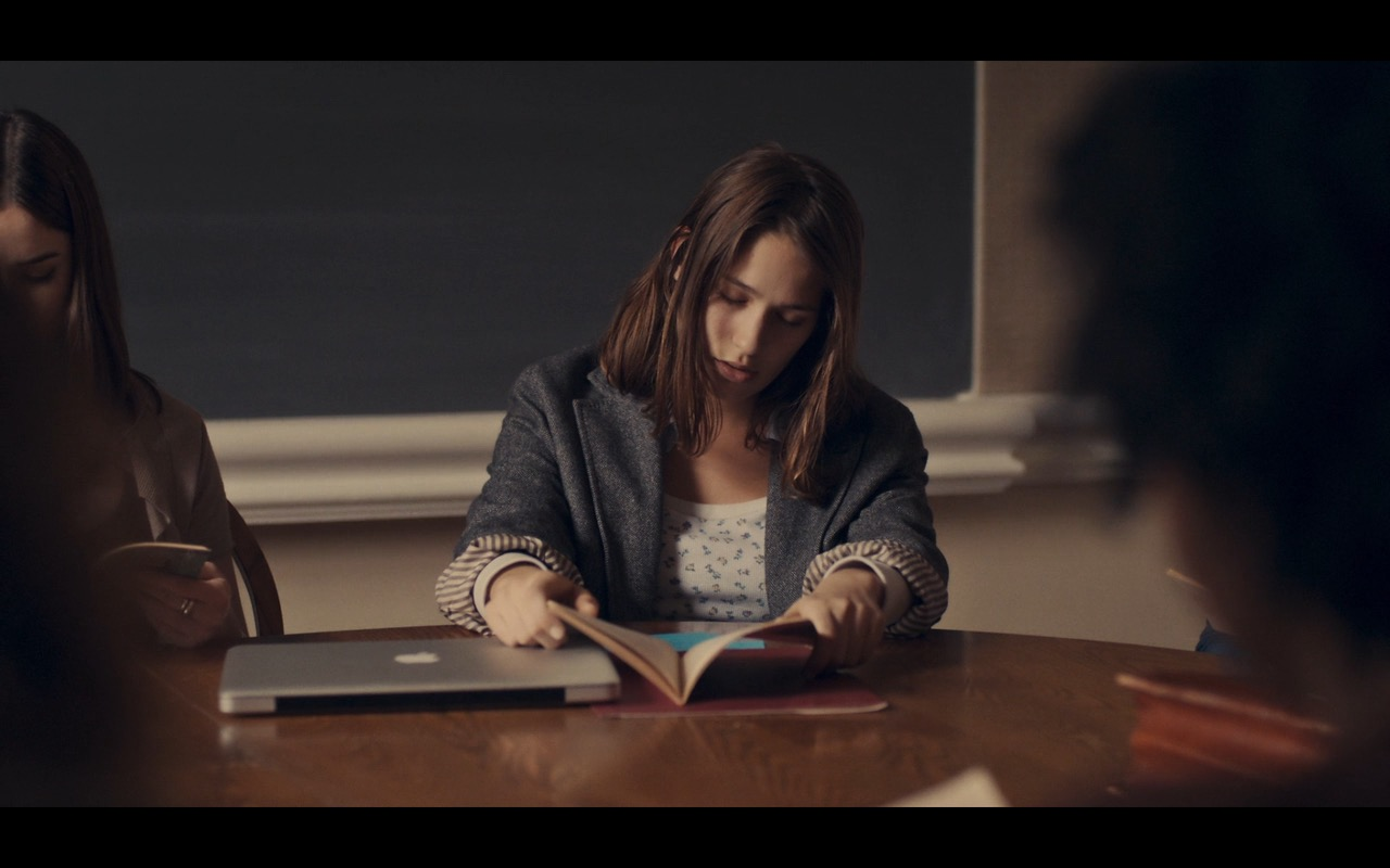 MacBook Pro – Mistress America (2015) Movie Product Placement