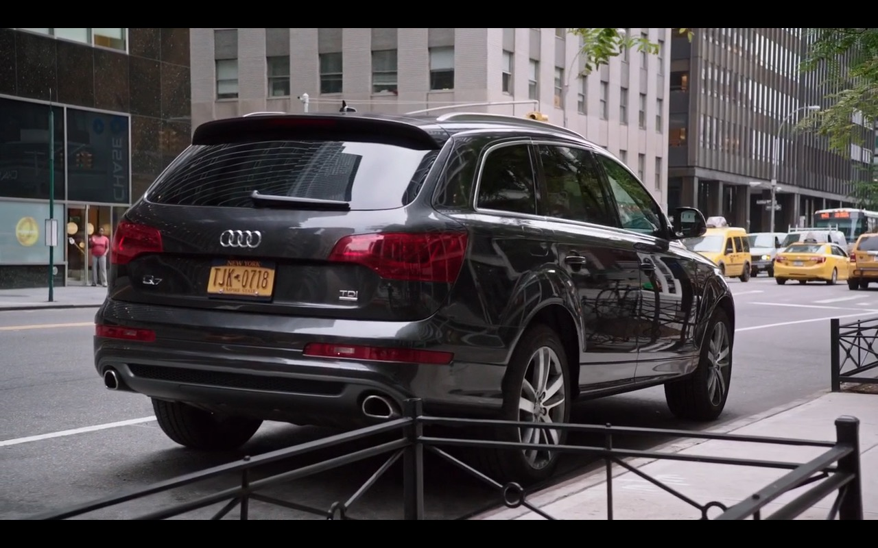 Audi Q7 The Intern 2015 Movie Scenes