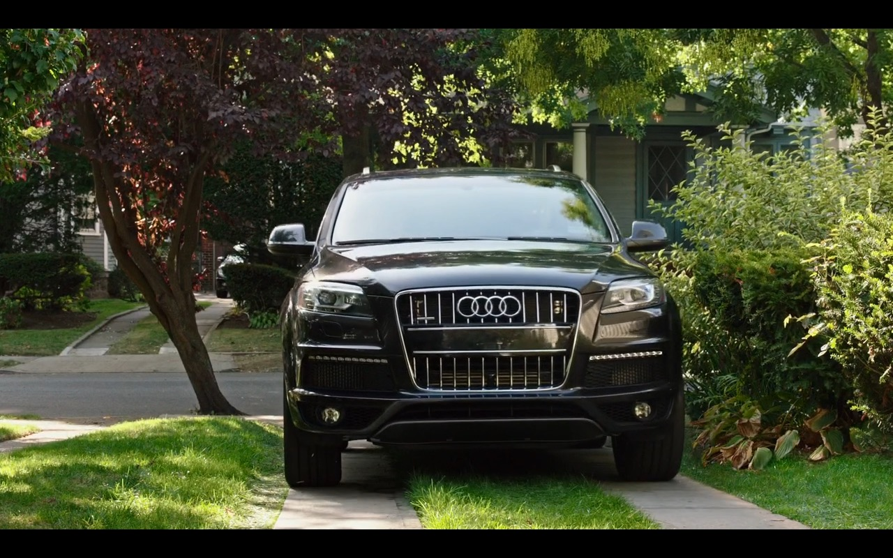 Audi Q7 - The Intern (2015) Movie Product Placement