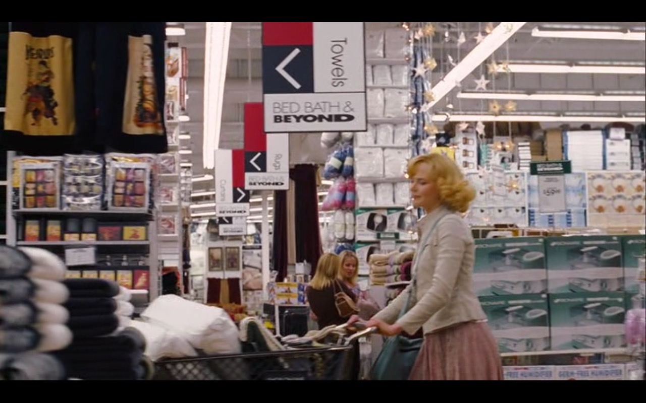 Bed Bath & Beyond Product Placement in Bewitched 2005 Movie (1)