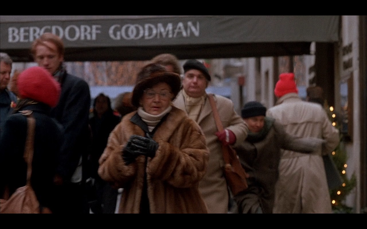 Bergdorf Goodman – Home Alone 2: Lost in New York (1992) Movie Product Placement