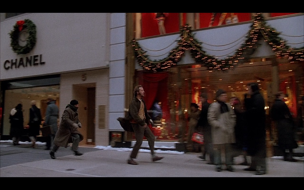 Chanel – Home Alone 2: Lost in New York (1992) Movie Product Placement