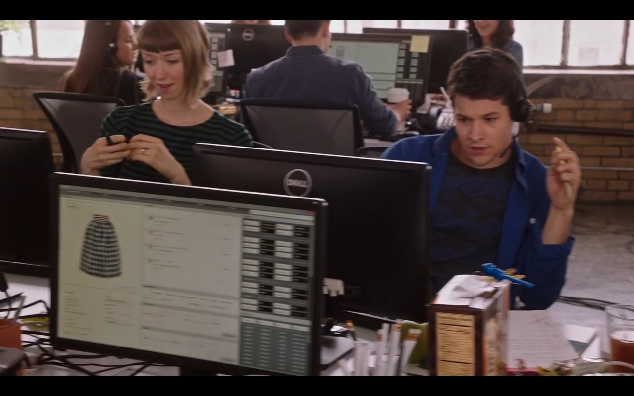 Dell Monitors – The Intern (2015) Movie Product Placement