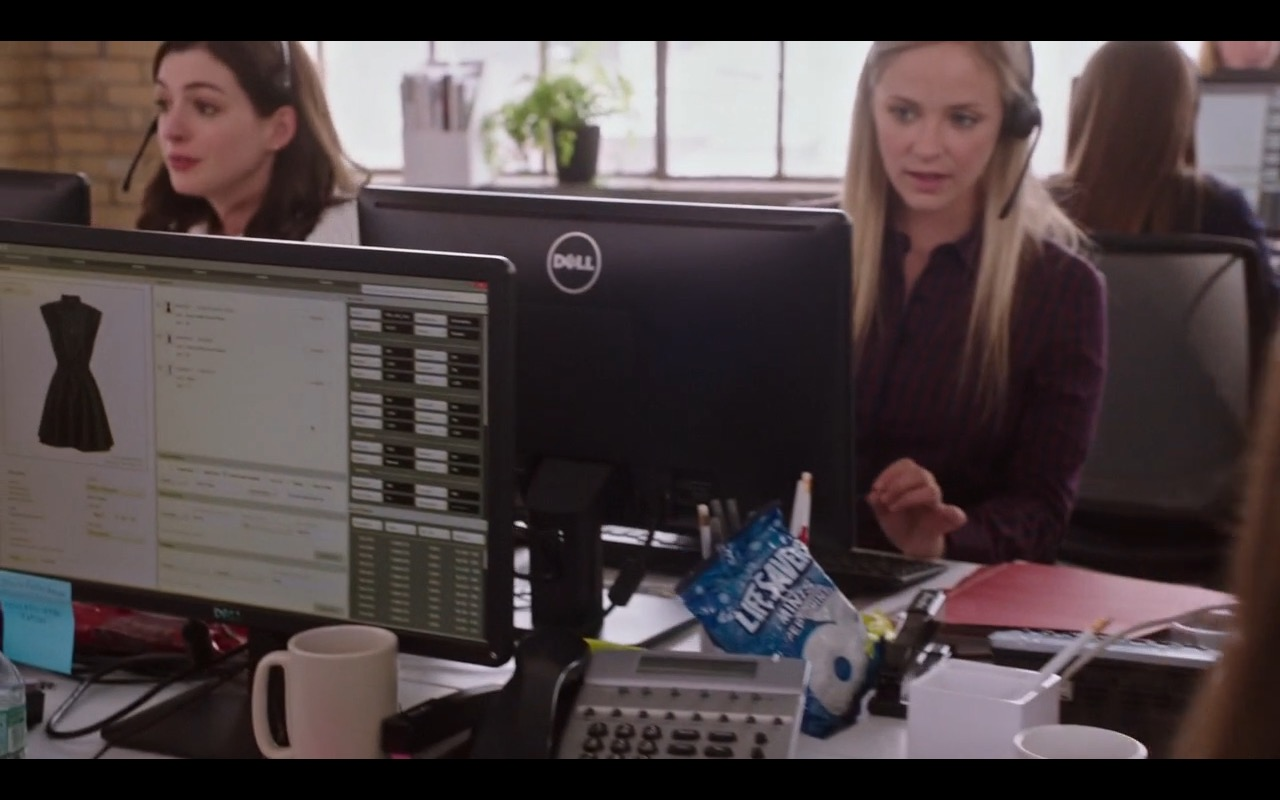 Dell and Life Savers - The Intern (2015) - Movie Product Placement
