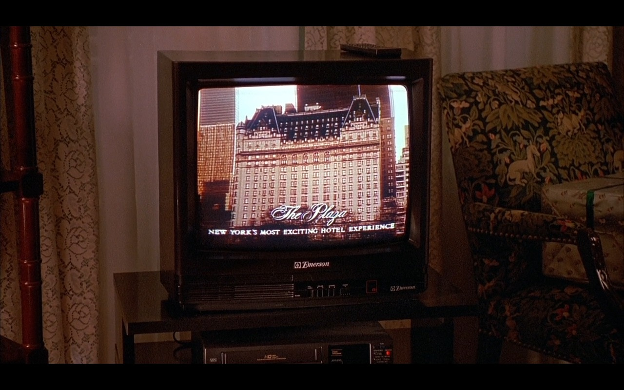 Emerson TV – Home Alone 2: Lost in New York (1992) - Movie Product Placement