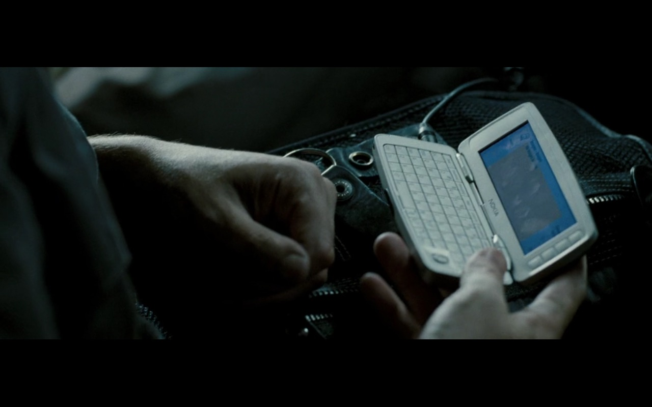 Nokia 9300i – Live Free or Die Hard (2007) Movie Product Placement