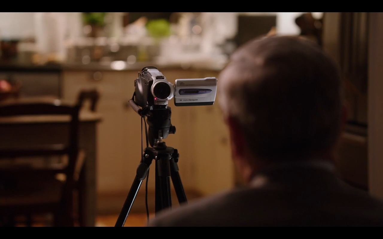 Sony Video Camera – The Intern (2015) Movie Product Placement