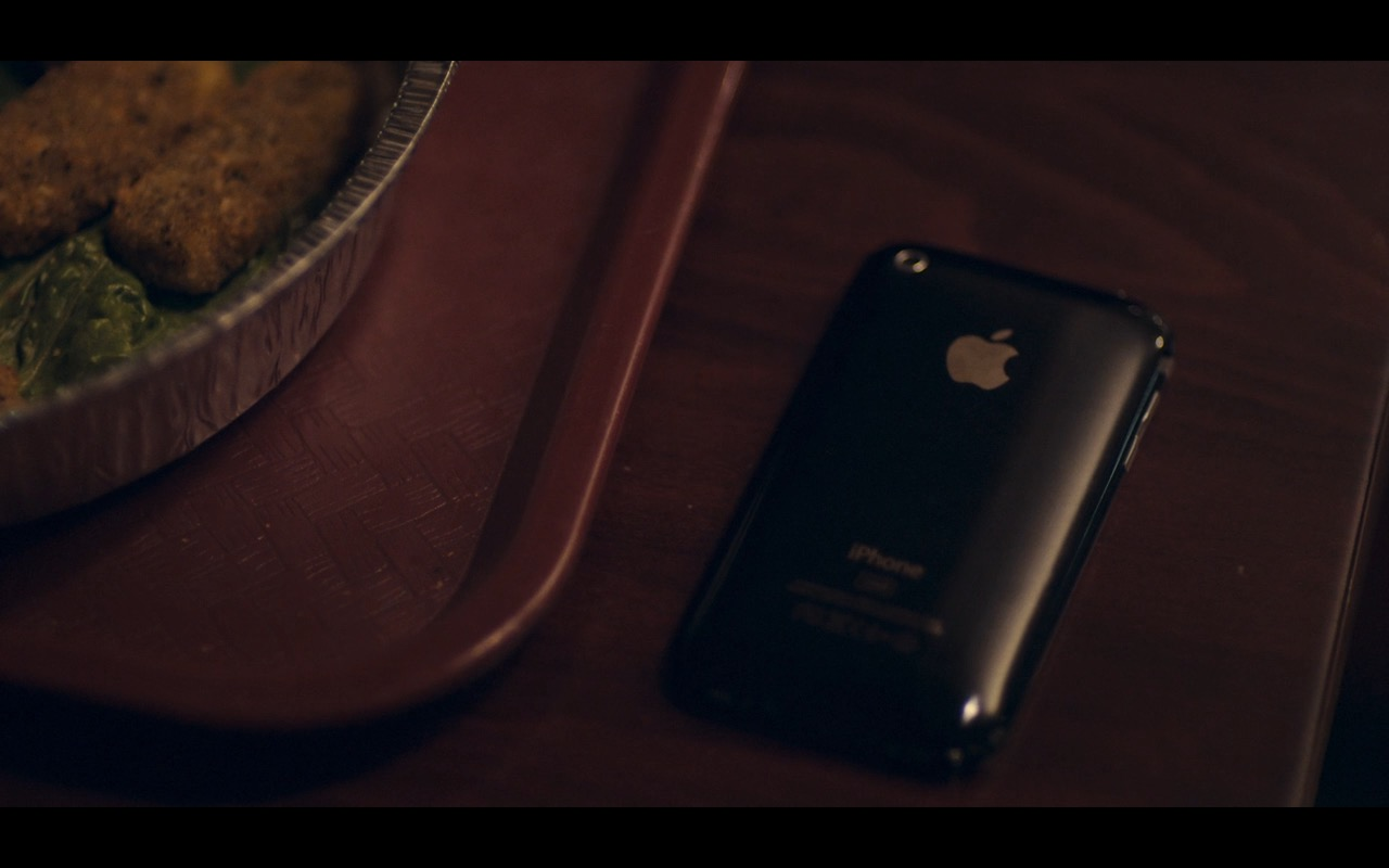 iPhone 3G/3Gs & AT&T – Mistress America (2015) - Movie Product Placement