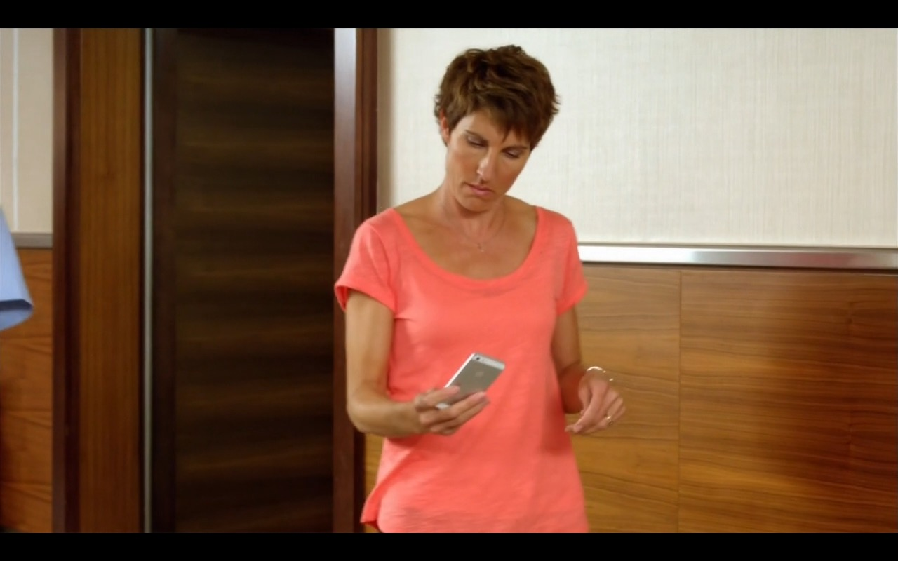 Apple iPhone 5/5S - Episodes - TV Show Product Placement