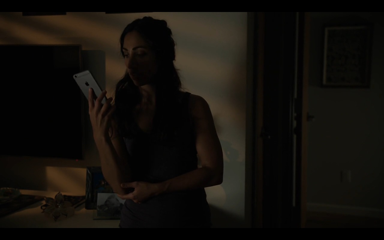 Apple iPhone 6/6S Plus – Billions - TV Show Product Placement