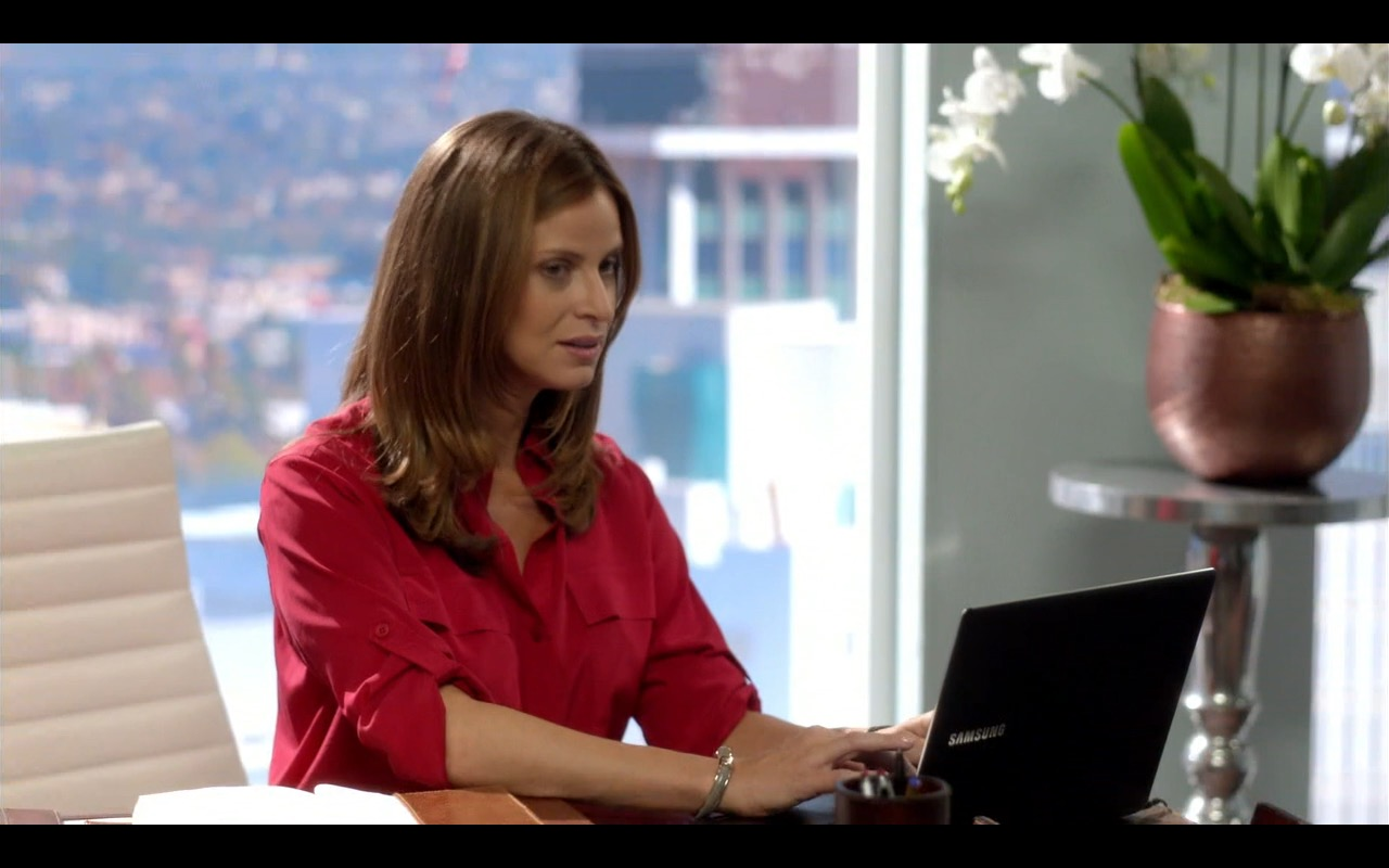 Samsung Notebook - Episodes - TV Show Product Placement