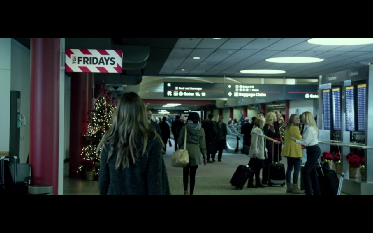 T.G.I. Friday's – Love the Coopers (2015) Movie Product Placement