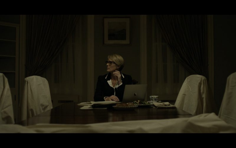 Apple MacBook – House of Cards TV Show Product Placement