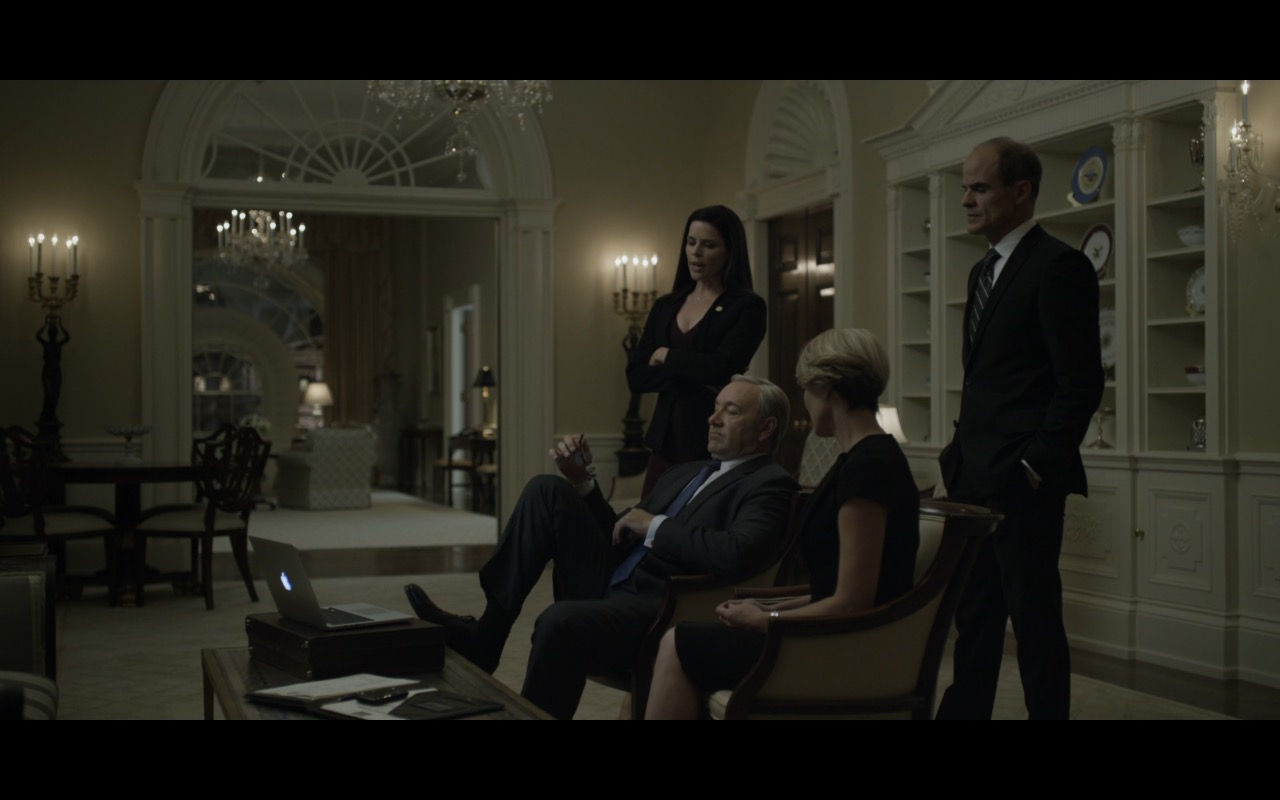 Apple macbook pro house of cards tv show scenes - House of tv show ...
