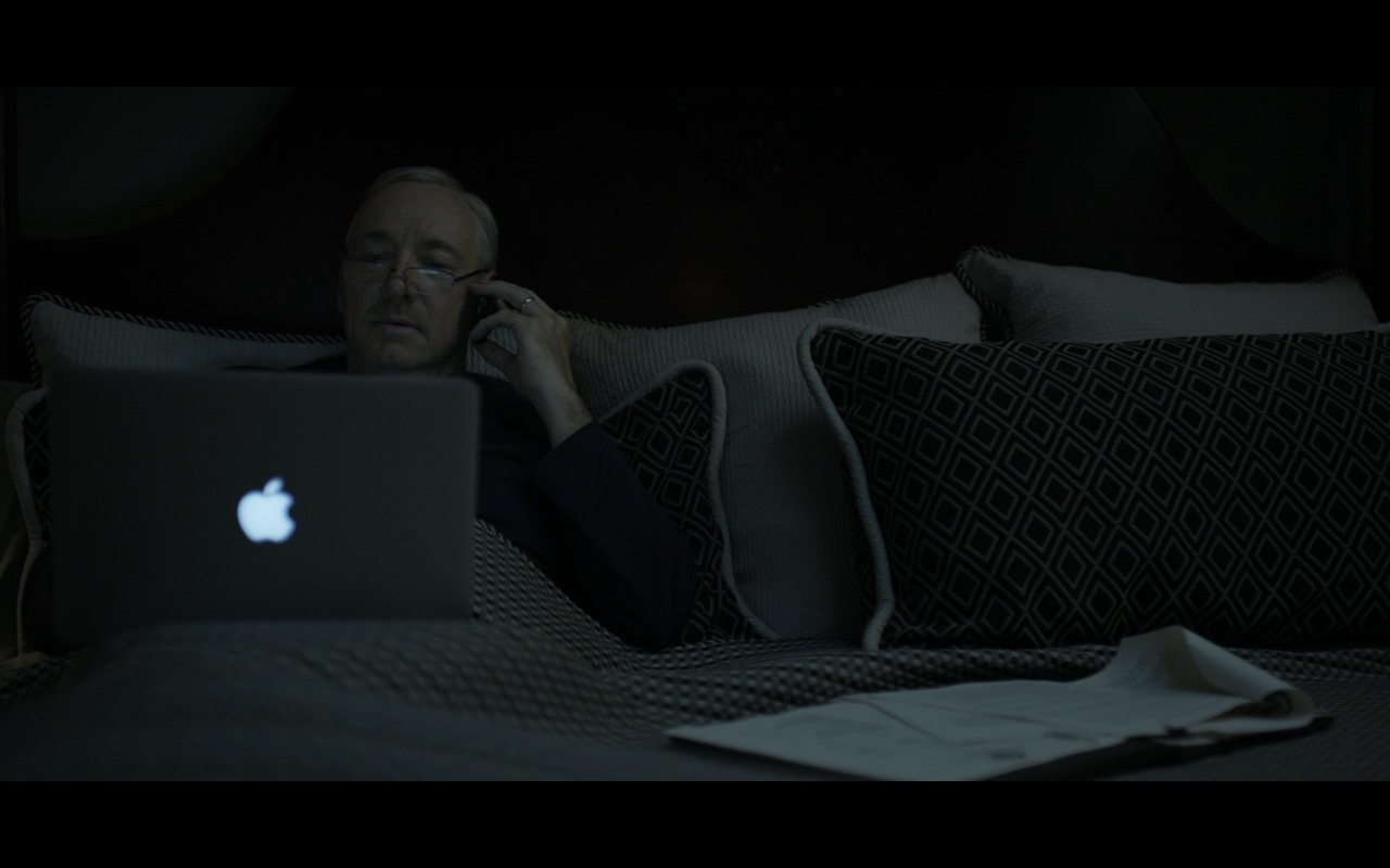 Apple MacBook Pro - House Of Cards TV Show Product Placement