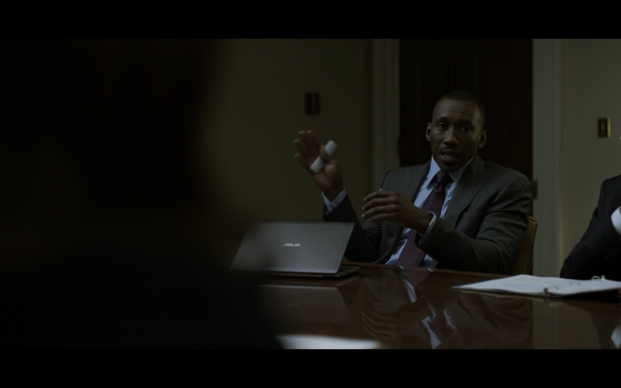 Asus Notebook - House Of Cards TV Show Product Placement