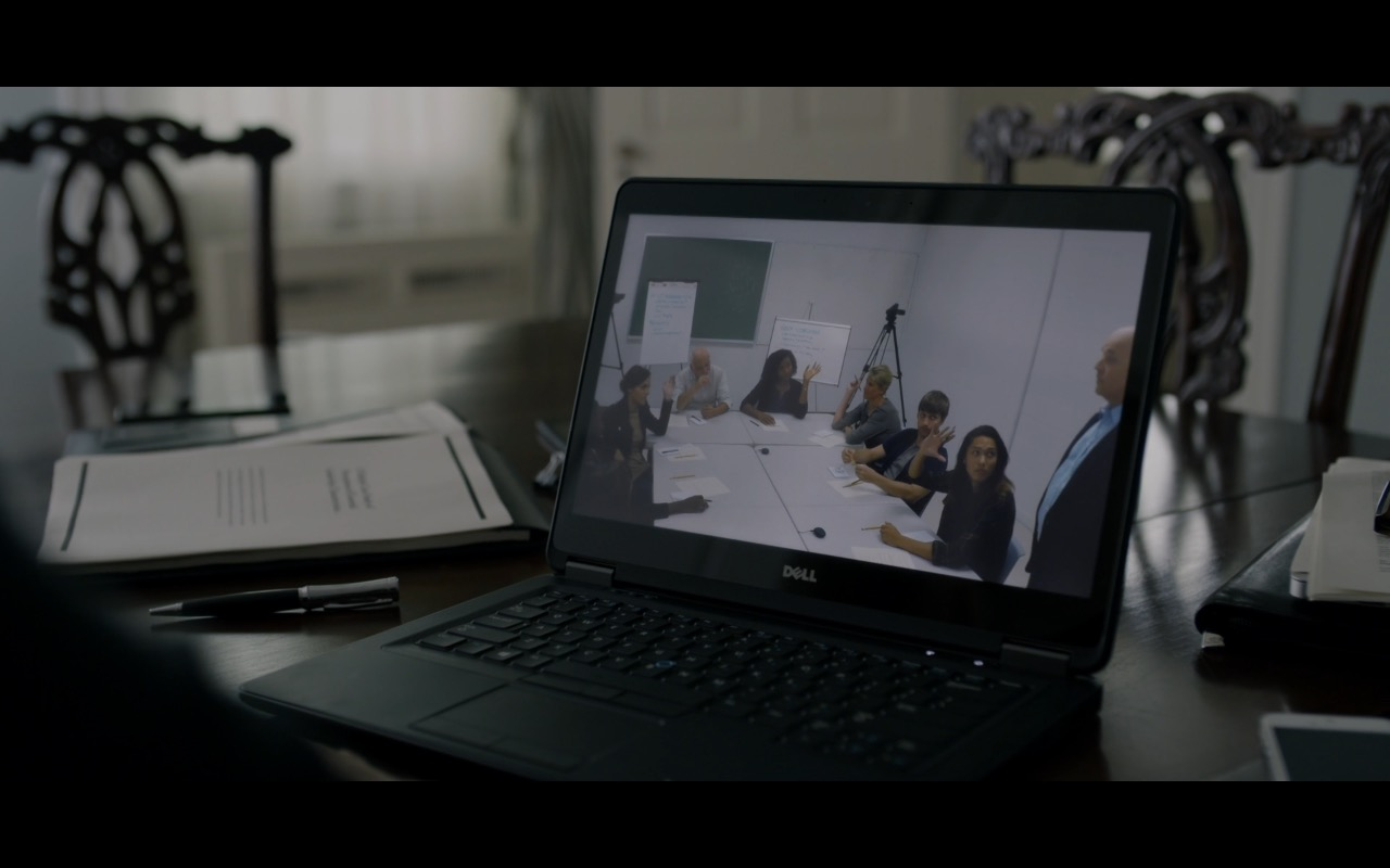 Dell Notebook in House Of Cards (S4E4) - TV Show Product Placement