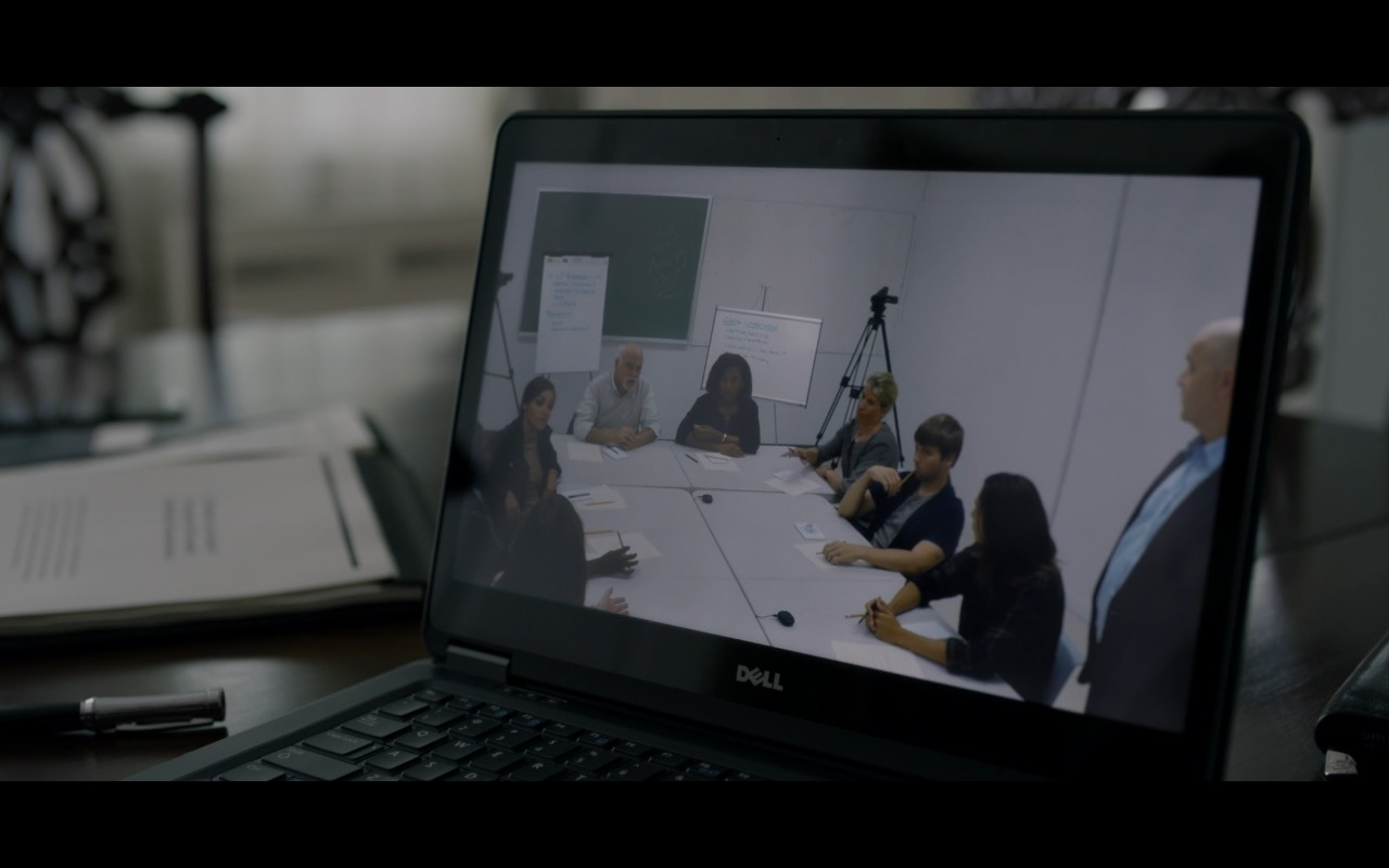 Dell Notebook in House Of Cards (S4E4) TV Show Product Placement