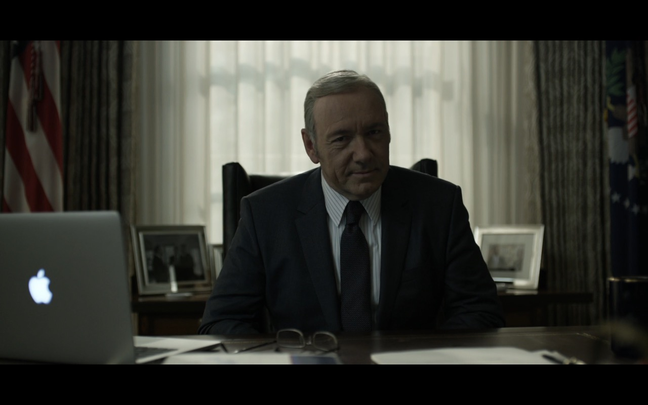 MacBook Pro - House Of Cards - TV Show Product Placement