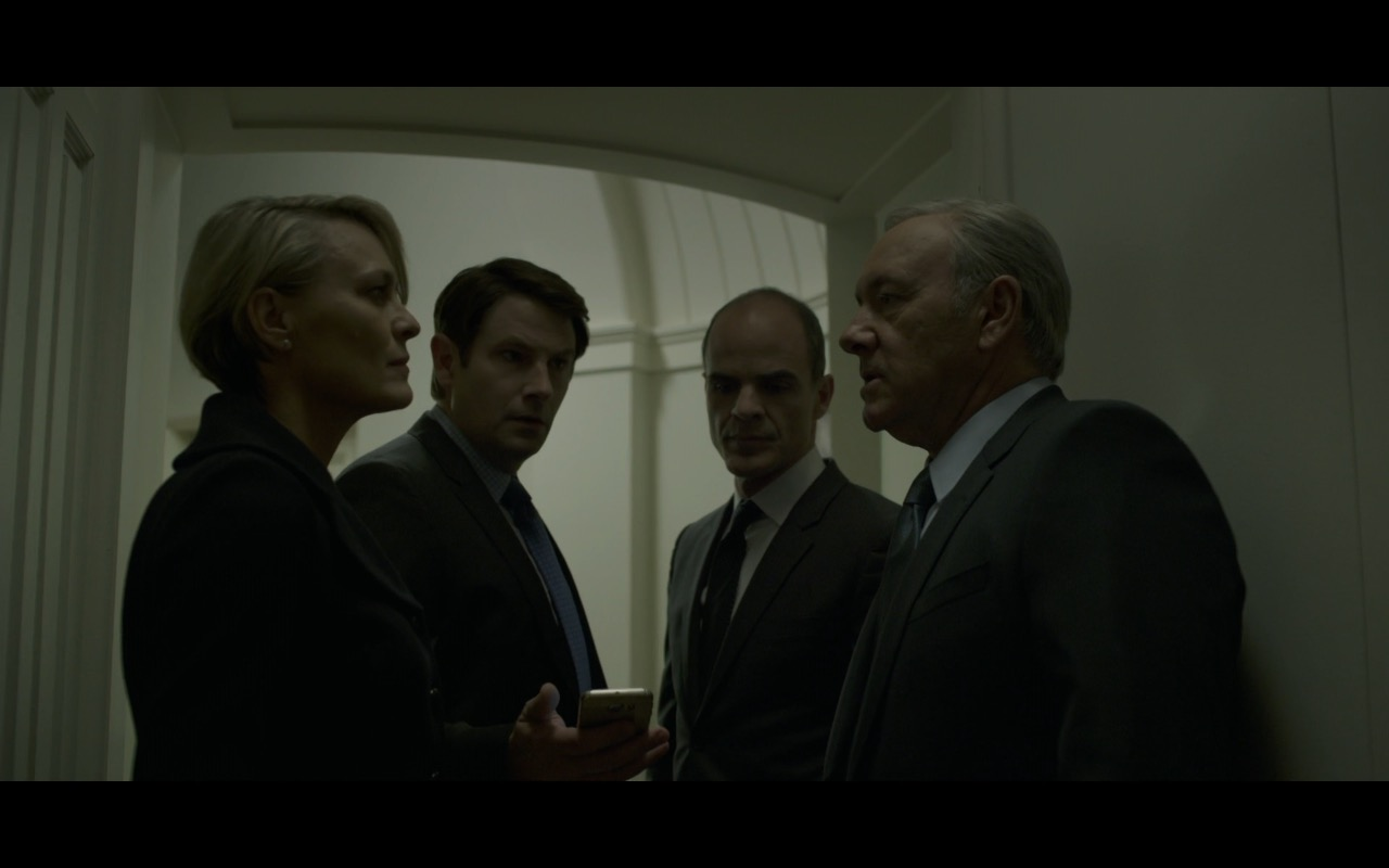 Samsung Galaxy S6 EDGE Android Smartphone - House Of Cards - TV Show Product Placement