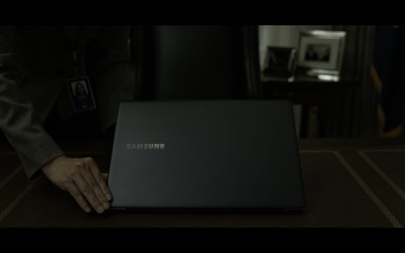 Samsung Laptop - House Of Cards TV Show Product Placement