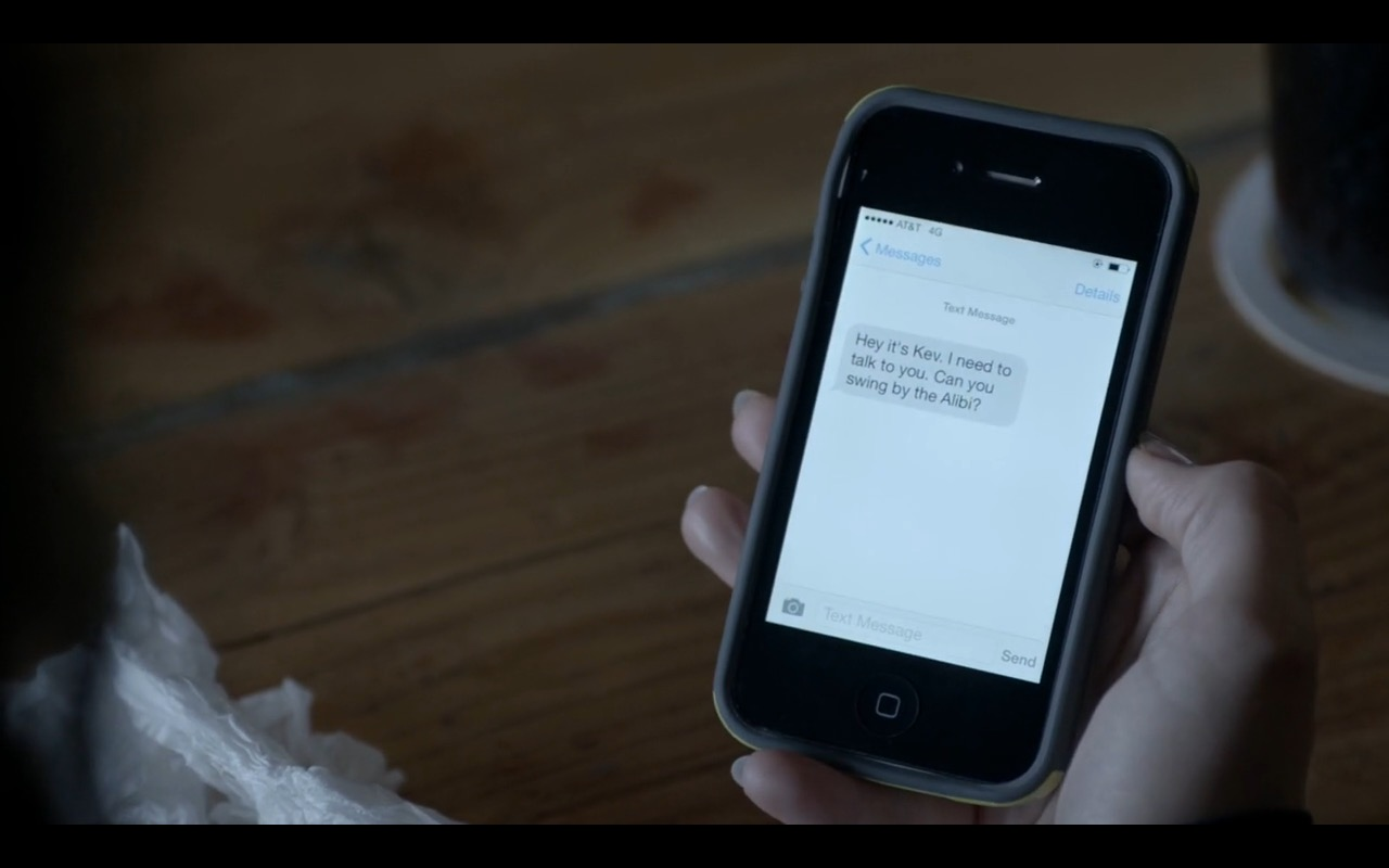 AT&T and iPhone - Shameless - TV Show Product Placement